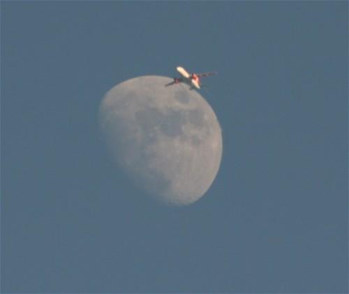007 - 2010-Moon+easyJet