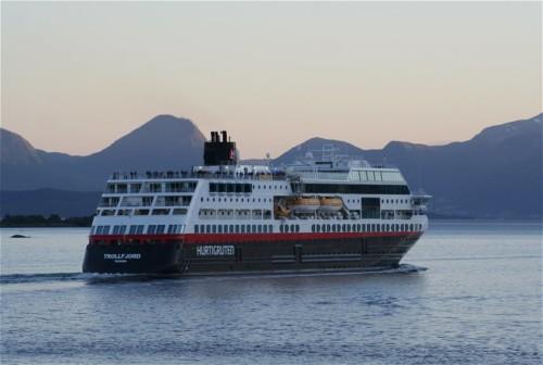 Hurtigruten - MS Trollfjord23