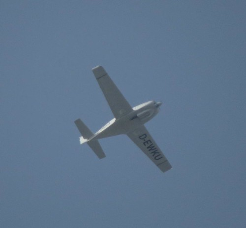 SmallAircraft - D-EWKU-01