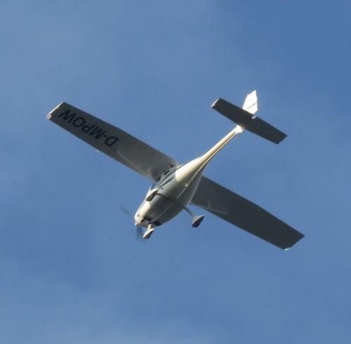 SmallAircraft - D-MPOW-03
