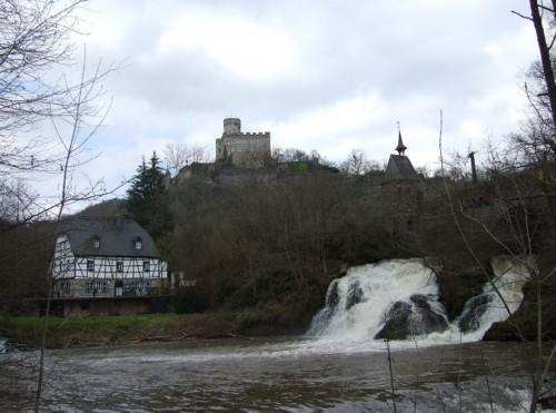 BurgPyrmont003-2007