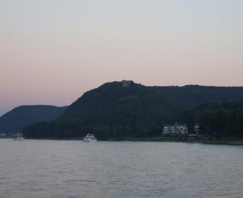 BurgRheineck001-2007