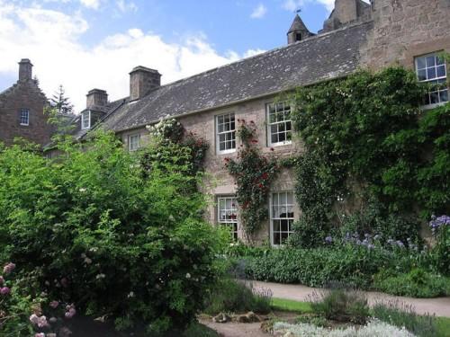 CawdorCastle003-2006