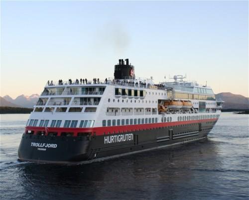 Hurtigruten - MS Trollfjord21