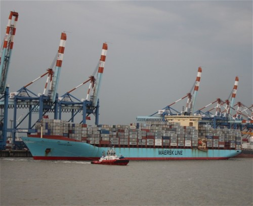 Industry - Chastine Maersk01
